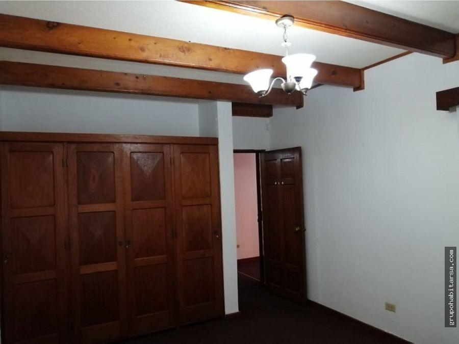 alquilo casa zona 15 vista hermosa 1