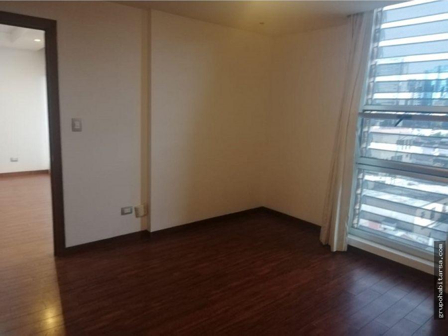 alquilo apartamento zona 10 en nivel medio edificio alandra
