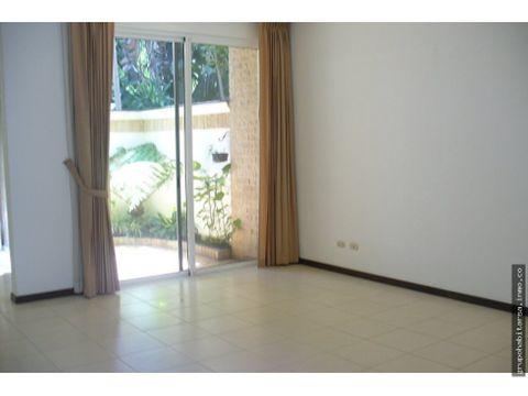 alquiler casa zona 10 con 4 dormitorios