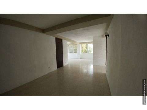 alquilo apartamento en zona 10 sobre 20 calle de 2 dormitorios
