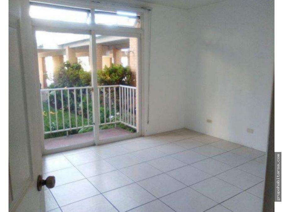 alquilo apartamento zona 13 primer nivel no hay gradas