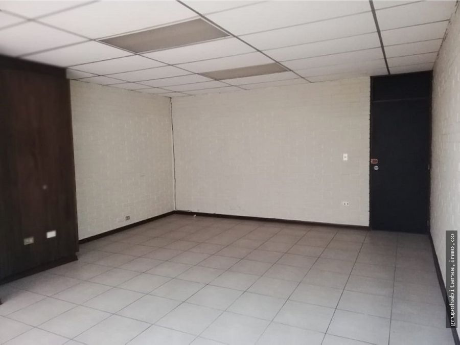 alquilo oficina en zona 9 plaza tivoli