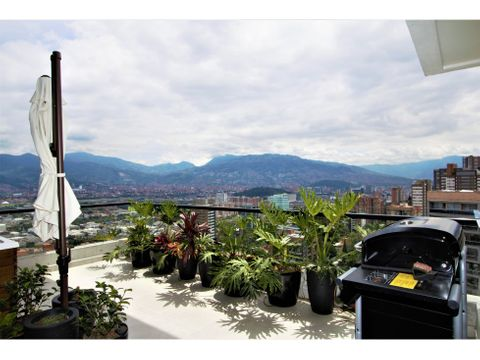 wonderful penthouse wjacuzzi in el poblado
