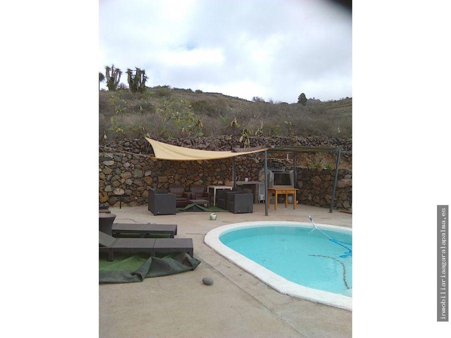 venta de villa con piscina en puntagorda
