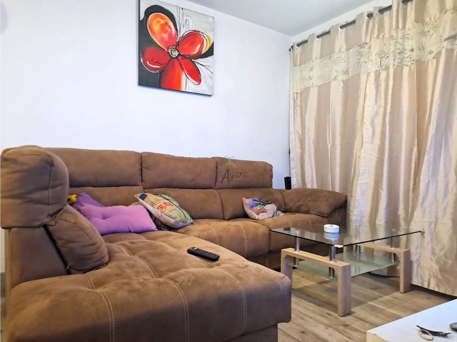 casa con un apartamento independiente mas un atico