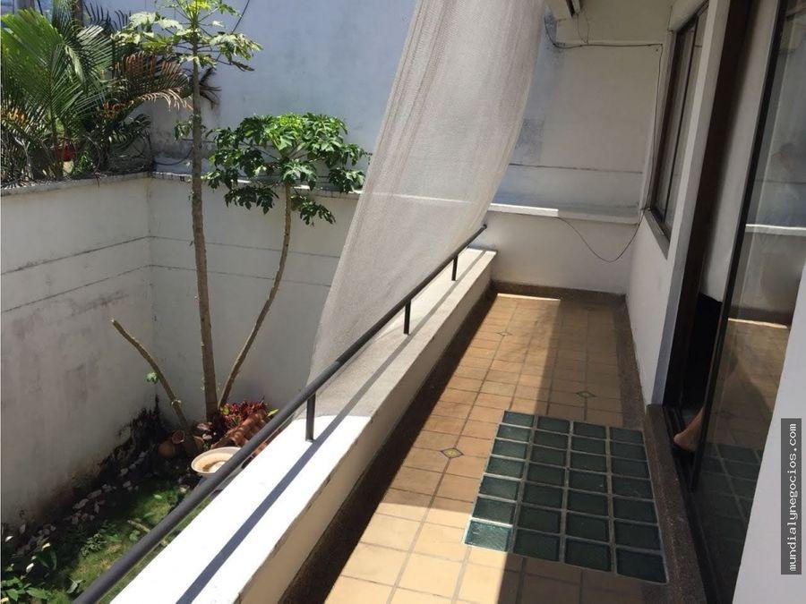 vende permuta casa amplia 3 pisos en sector comercial