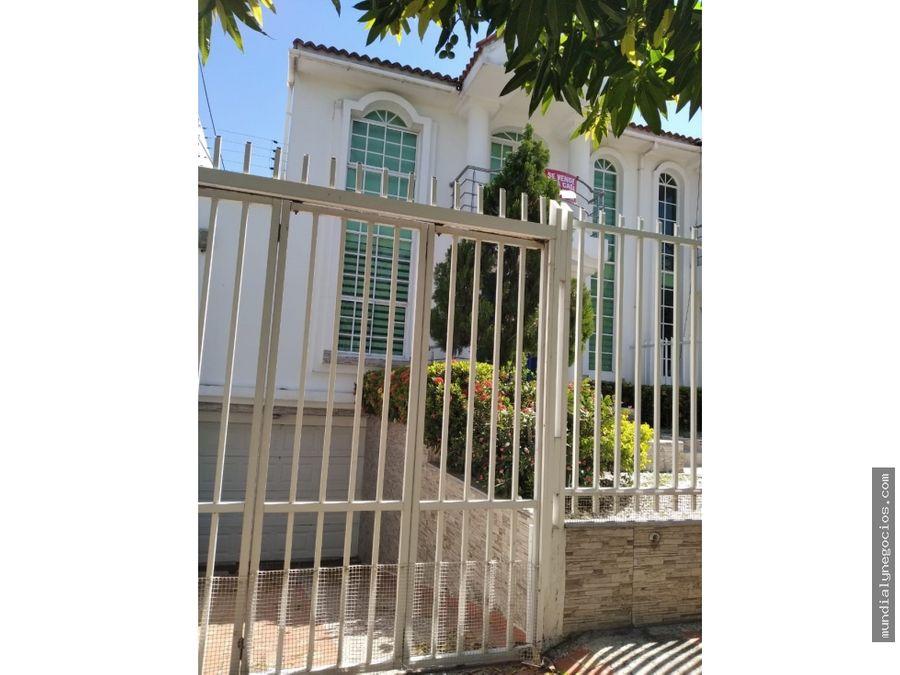 casa de dos pisos en villa santos