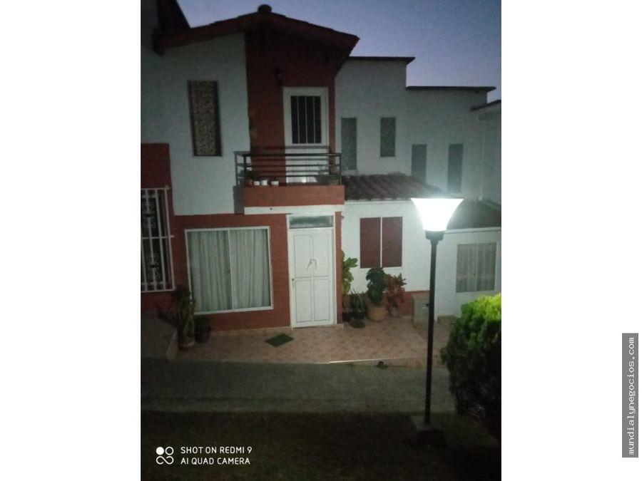 venta espectacular casa duplex excelente ubicacion04