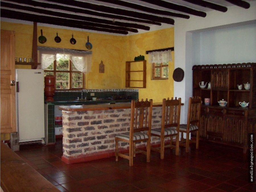hermoso lote con 2 casas construidas en villa de leyva boyaca