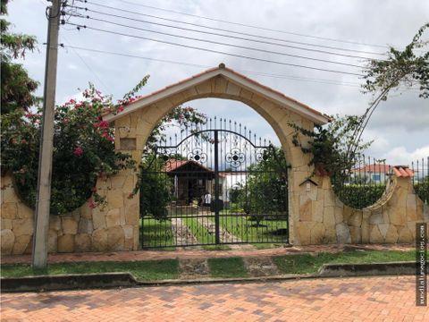 venta hermosa casa campestre en chinauta cundinamarca