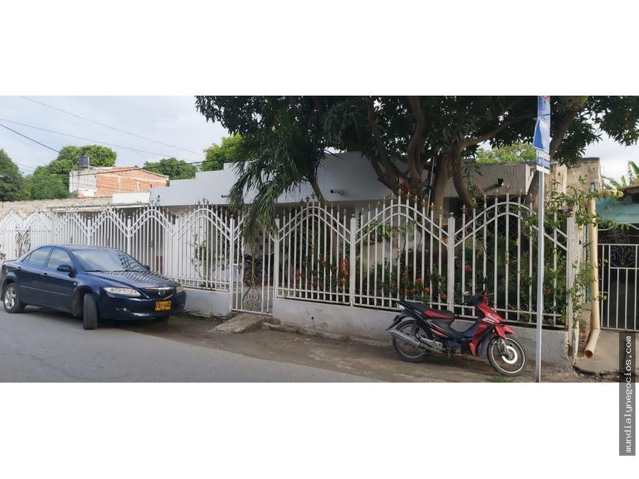 se vende casa ubicada en avenida principal sector gaira sa