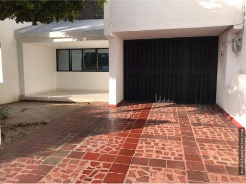 se vende amplia propiedad a 2 cuadras de la 9na en valledupar 01jr