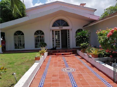 venta casa de oportunidad para remodelar cerca del mar