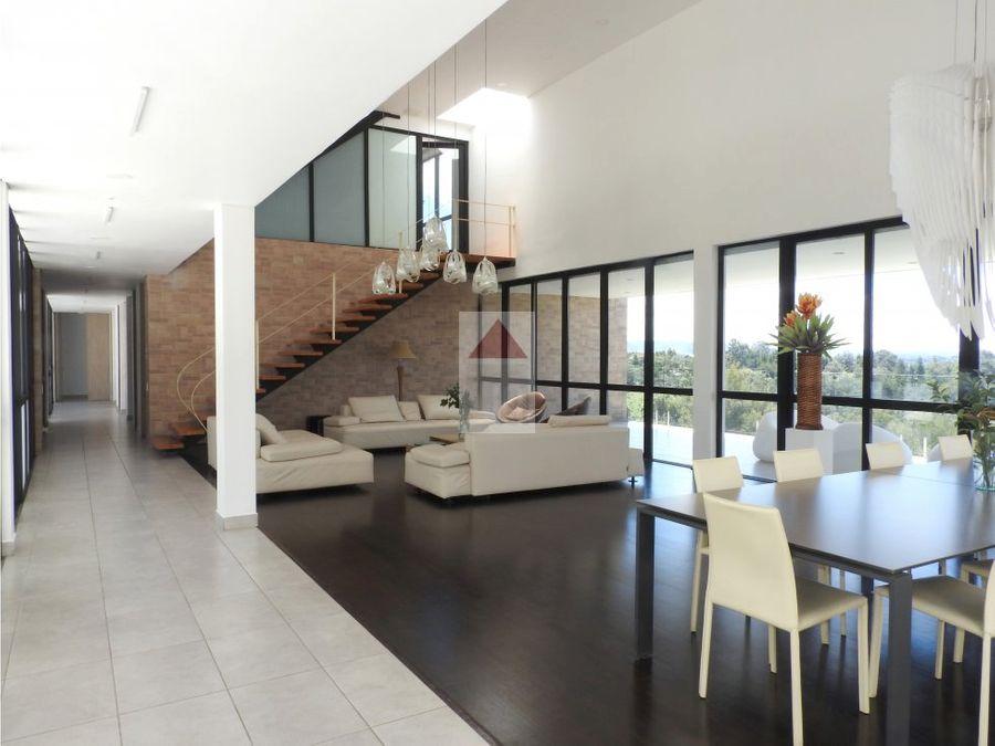 casa exclusiva moderna en venta sector recta aeropuerto llanogrande
