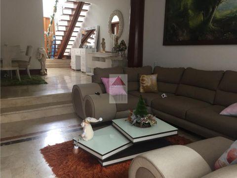 venta casa moderna y bonita unidad con piscina sector el tesoro