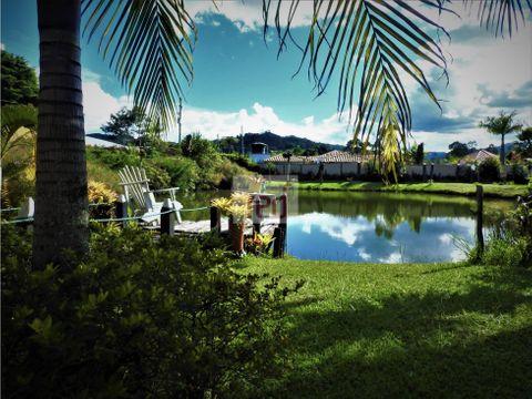 venta casa independiente tipo chalet con lago llanogrande rionegro