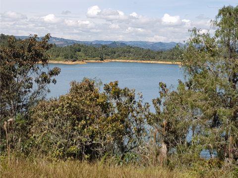 venta lote con acceso a la represa guatape tierra prometida