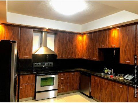 venta casa en cayala 4dormitorios 6parqueos 475mt2