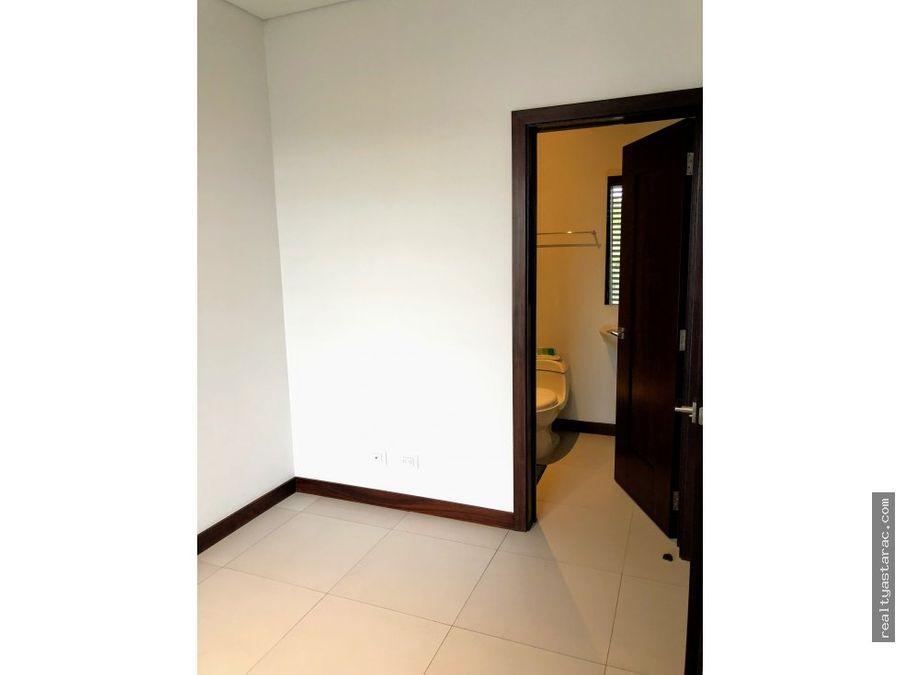 exclusivo apartamento en acantos de cayala zona 16