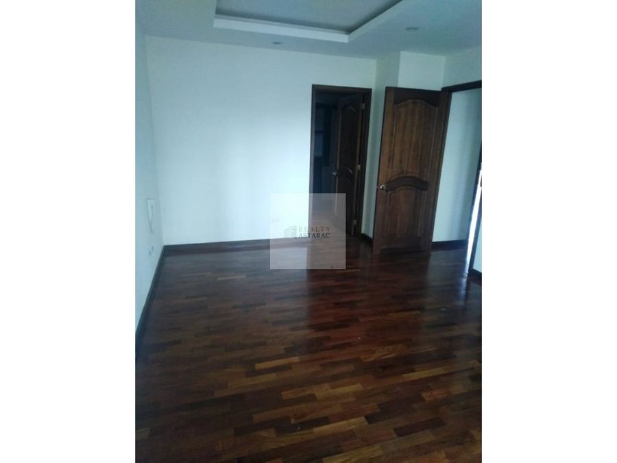 apartamento en zona 15 edificio cero 10