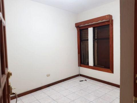 casa con 2 apartamentos independientes en eureka zona 21