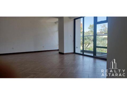 apartamento en edificio ikaria zona 15