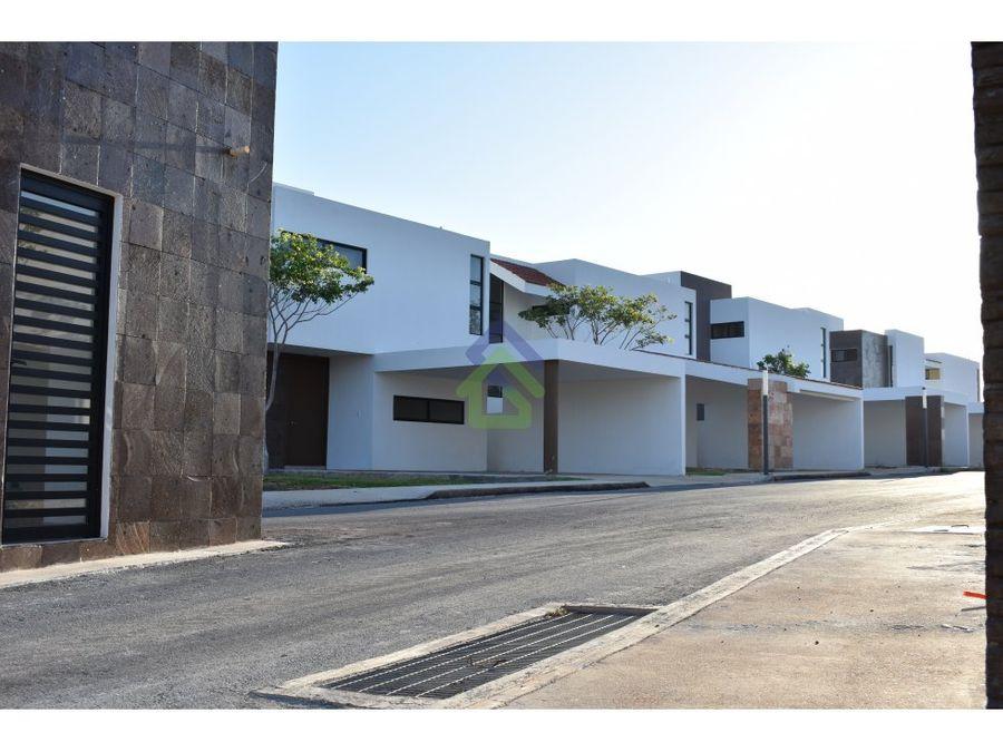 preciosas casas en privada capri en conkal