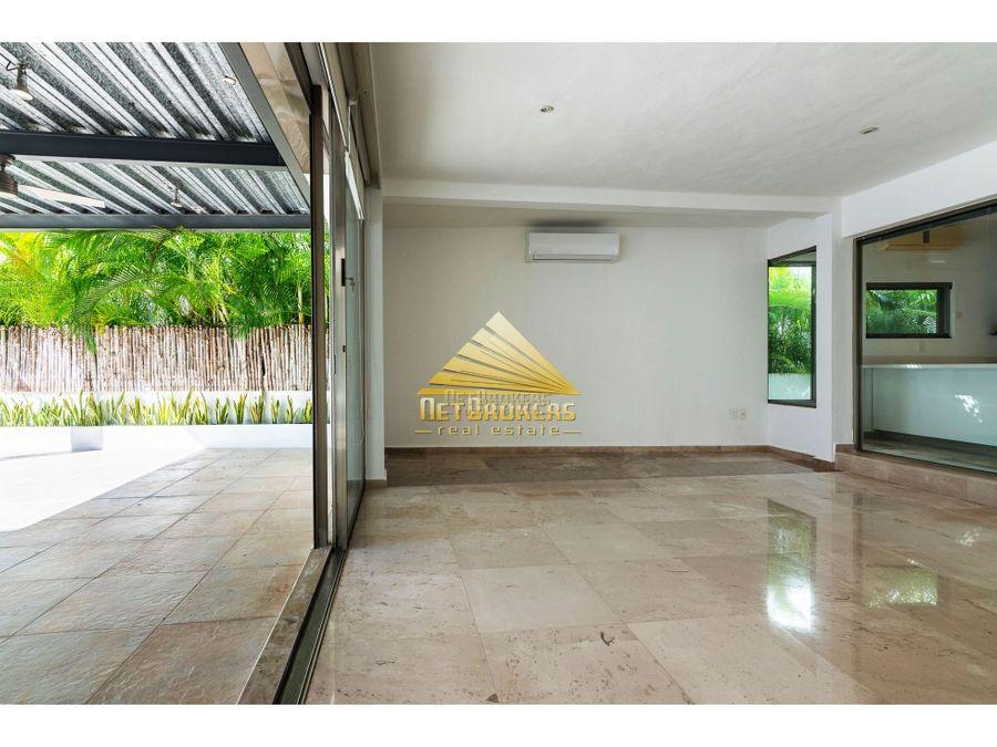 venta casa en terreno de 700 m2 campo de golf playacar fase ii