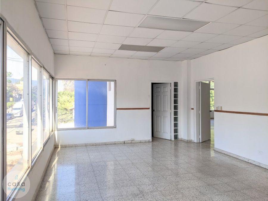 oficina en renta sobre ave la paz 90 m2