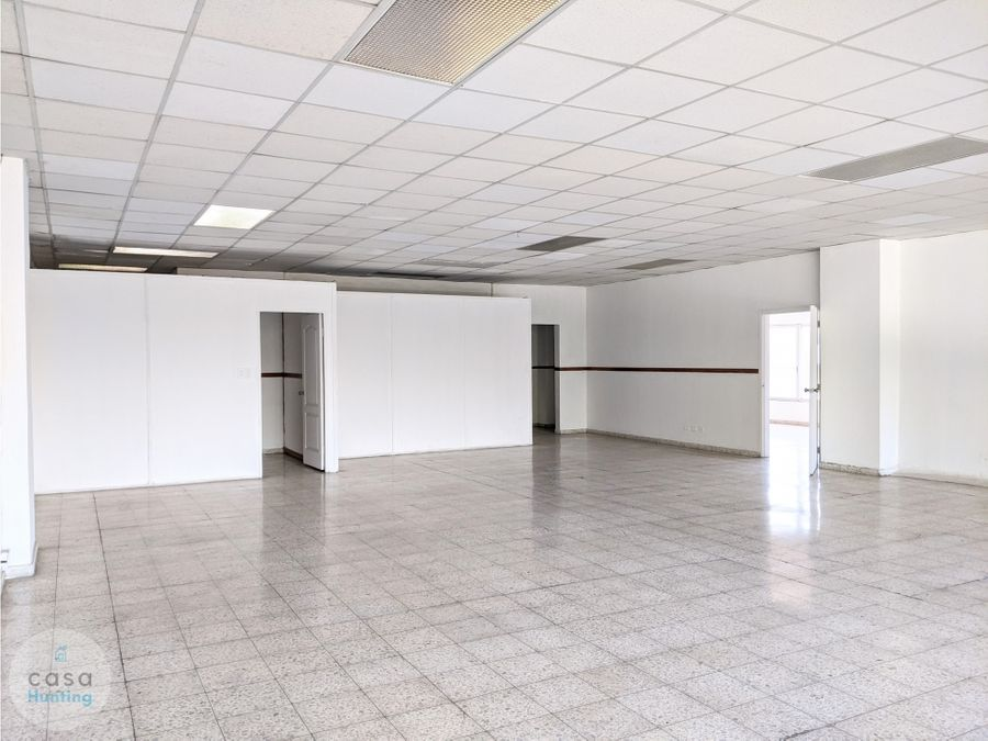 oficina en renta sobre ave la paz 180 m2