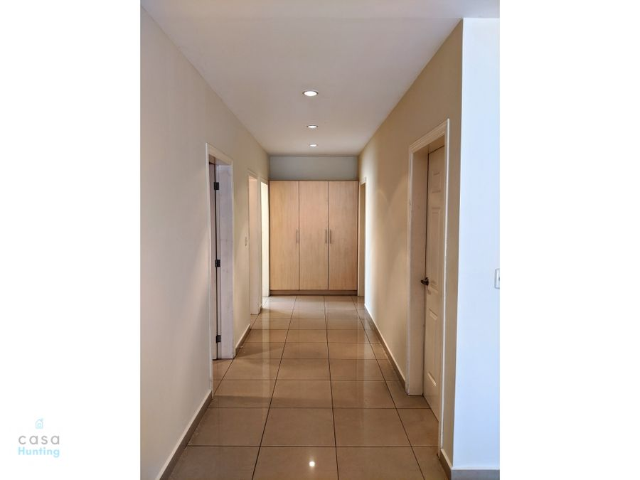 alquiler amplio apartamento via santa cristina