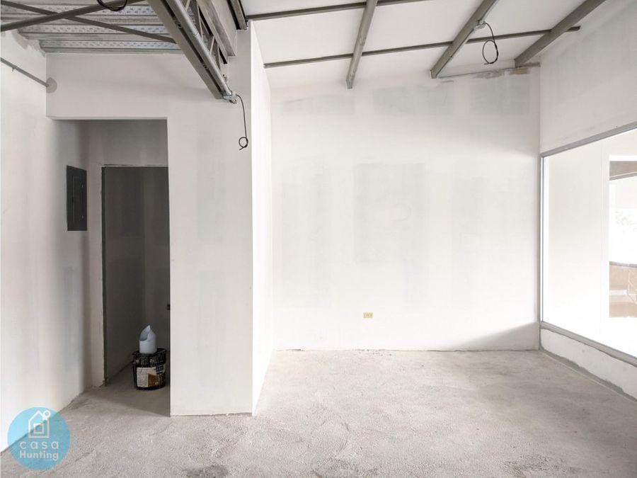 local en plaza ciudad nueva 36 m2