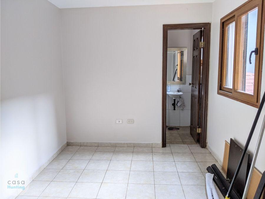 venta en casa circuito cerrdo en col humuya 3 hab