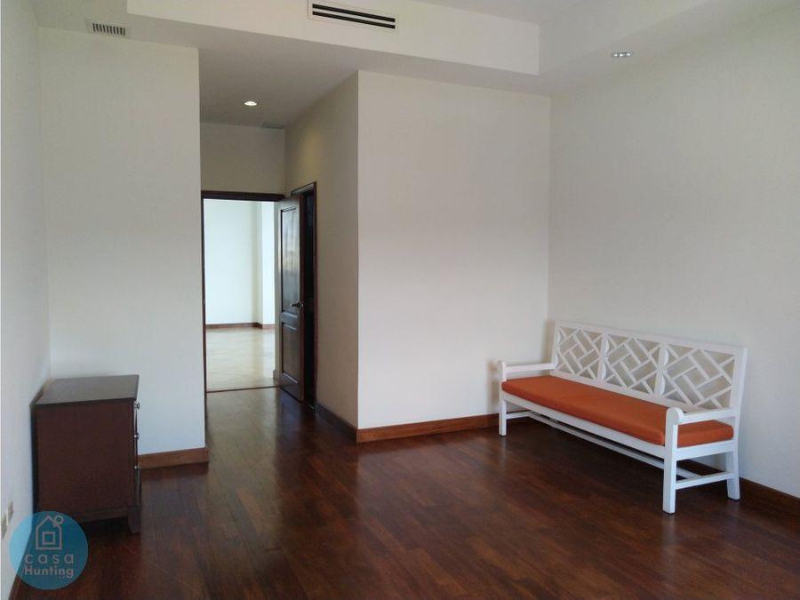 alquiler apartamento c cuarto de servicio