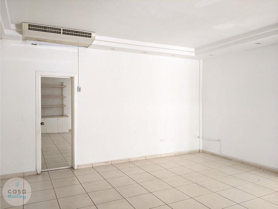 local comercial en casa noble lomas del mayab 80 m2