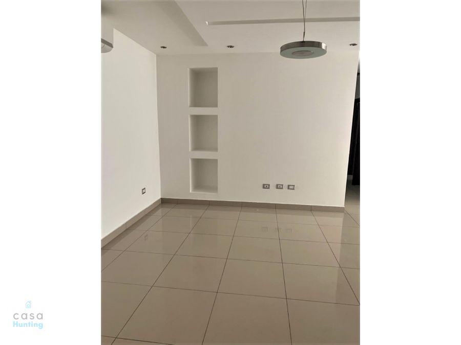 apartamento en venta paseo los proceres 210000