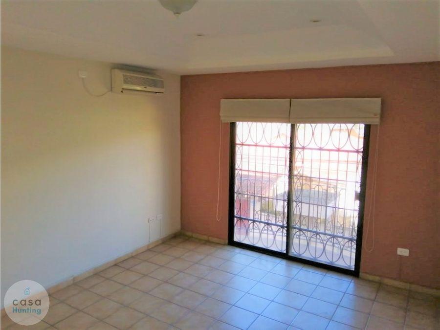 apartamento en alquiler col lomas del guijarro 1200