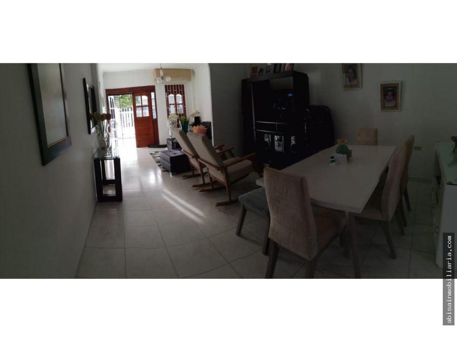 vendo casa en villa real