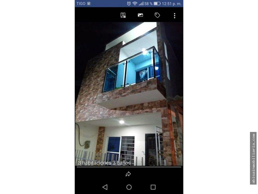 casa de dos pisos en villa ana 1