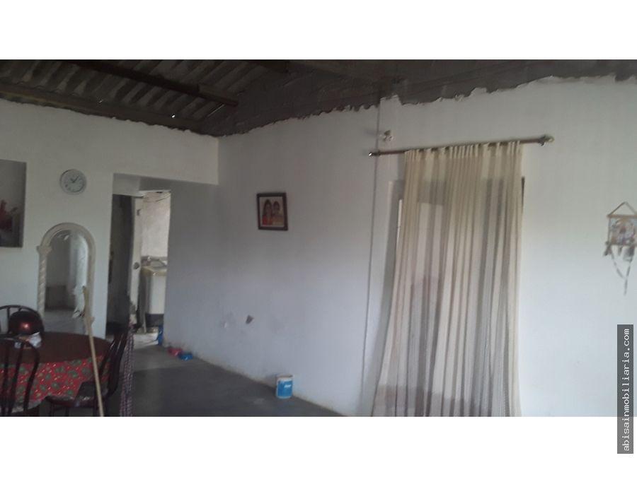 casa esquinera en edmundo lopez