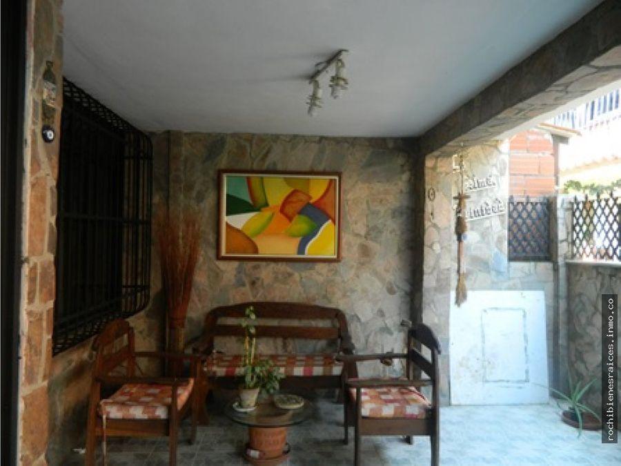 casa urbanizacion los robles