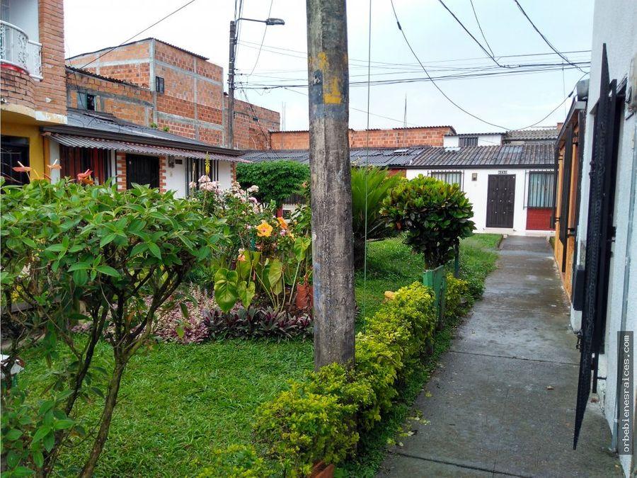 vendo casa cinco habitaciones en villa del prado