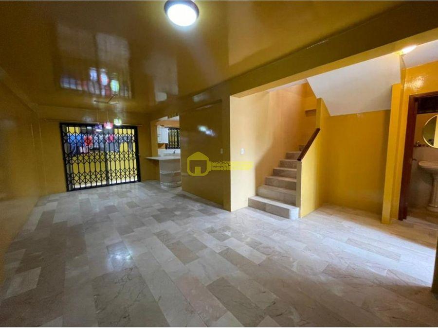 casa en alquiler de 3 habitaciones en urbanizacion privada