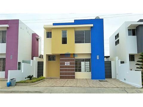 casa al sur de manta dentro de urbanizacion