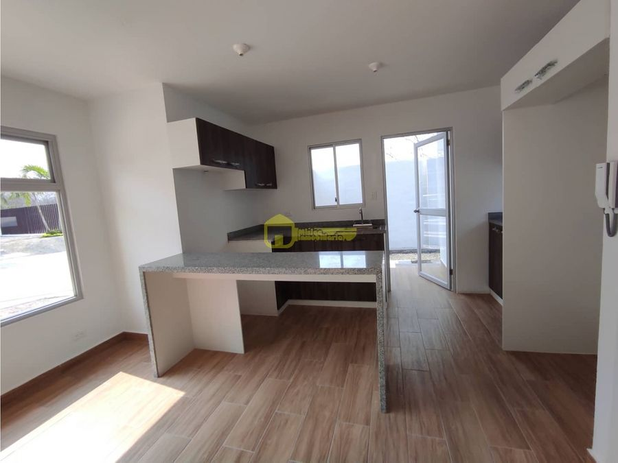 nuevas casas a estrenar en conjunto residencial