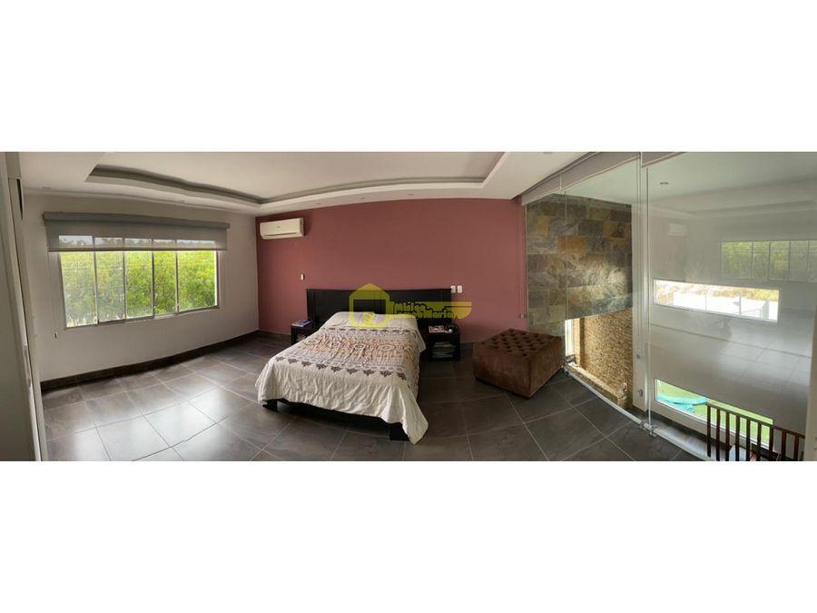 en urbanizacion manta beach hermosa casa en venta