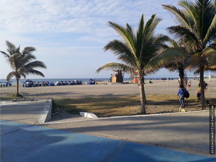 se vende restaurante en la playa murcielago