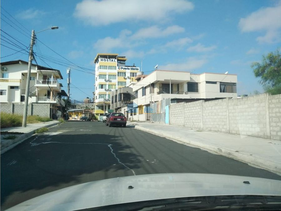 casa rentera en barrio cordova manta