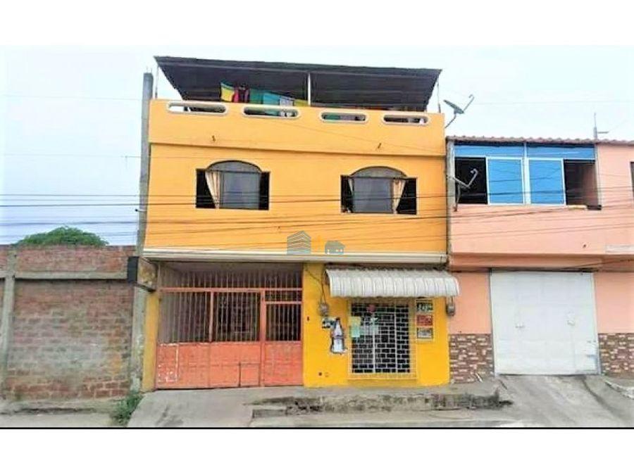 casa en venta en excelente ubicacion comercial con garaje