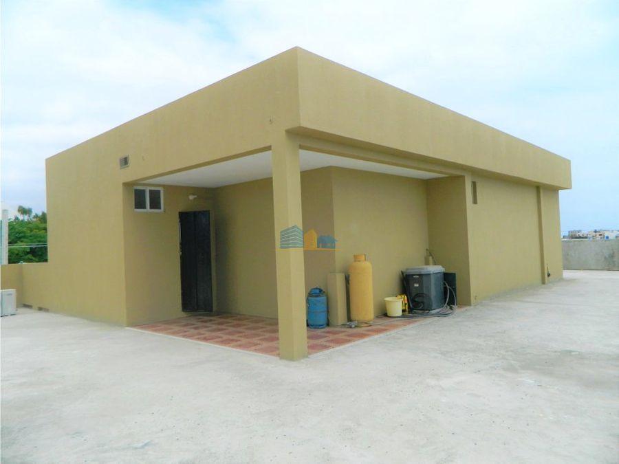 edificacion rentera en el centro de manta